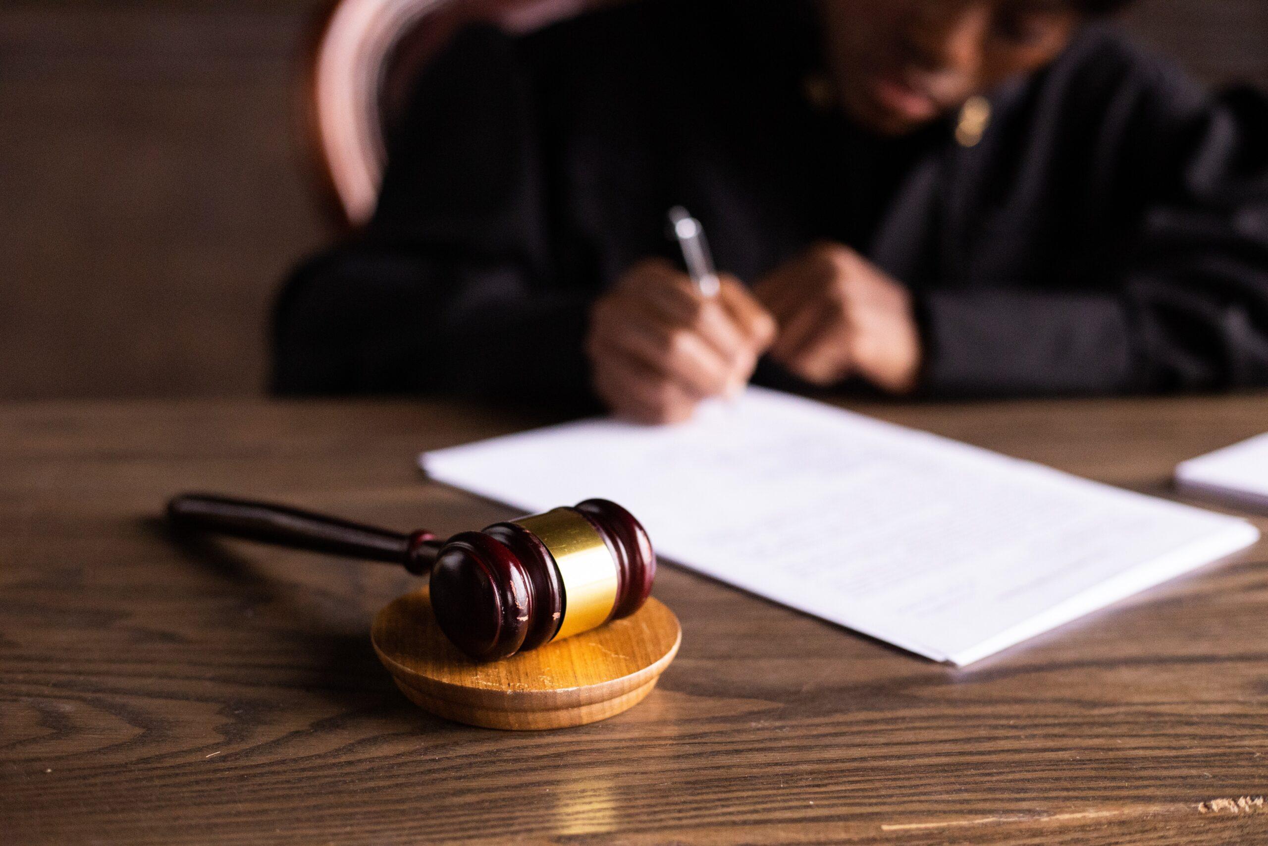 Porady prawne Rzeszów – gdzie szukać